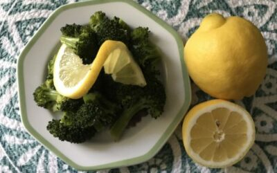Steamed Broccoli with Lemon & Garlic